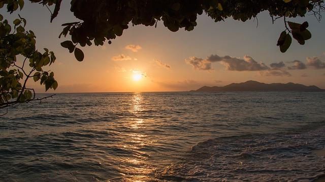 Les Seychelles où naviguer à bord d'un yacht est un vrai paradis sur terre